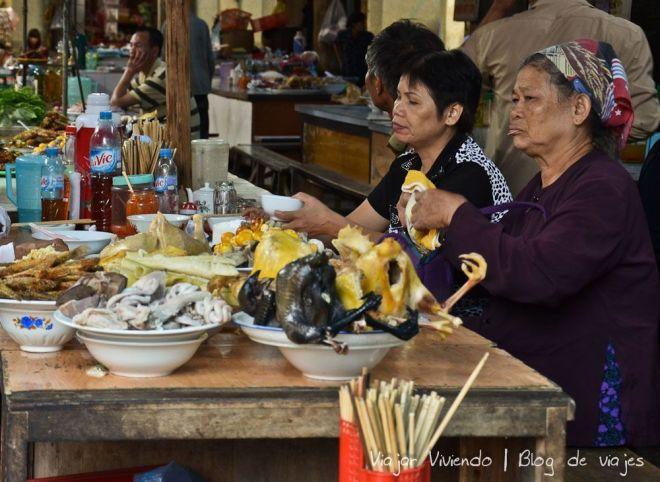 El mercado de SaPa. ¿Y ese pollo negro?