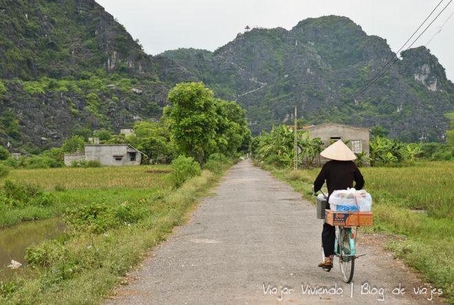 ninh binh vietnam bicicleta