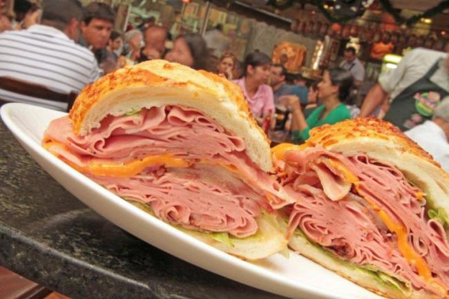 mortadela-sandwich
