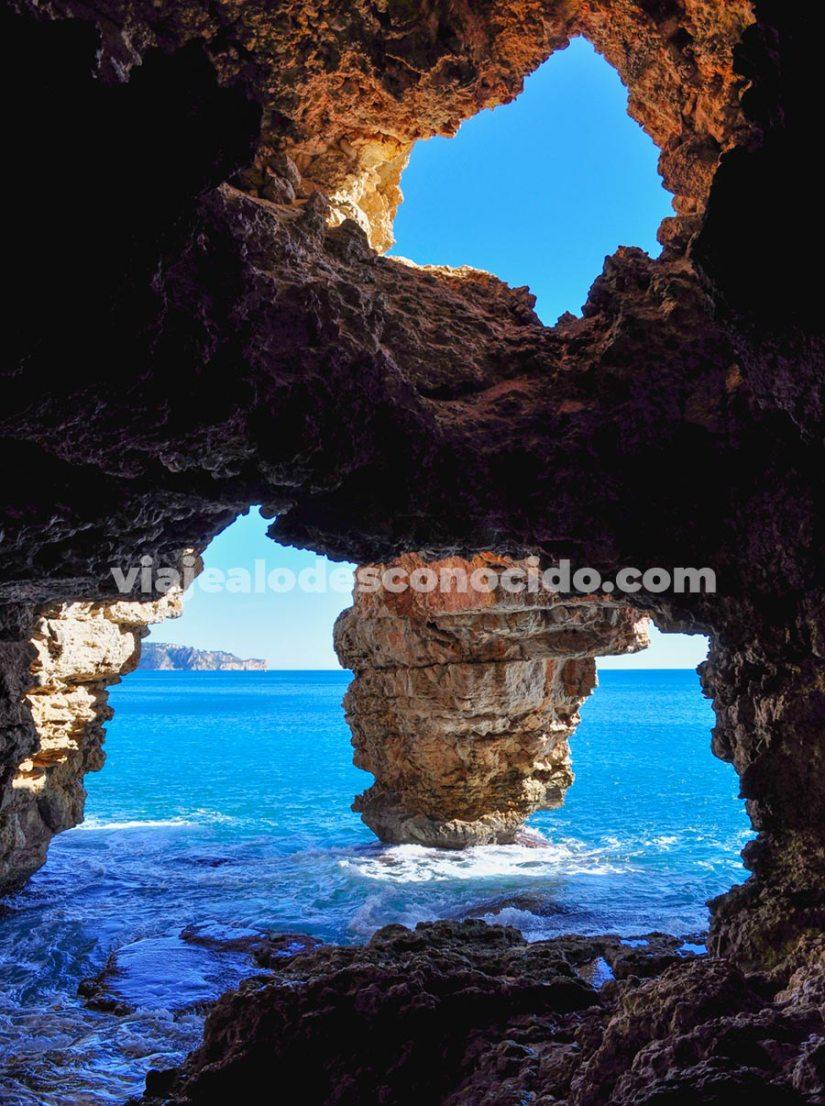 Cova dels Arcs, Cala Moraig, Benitatxell