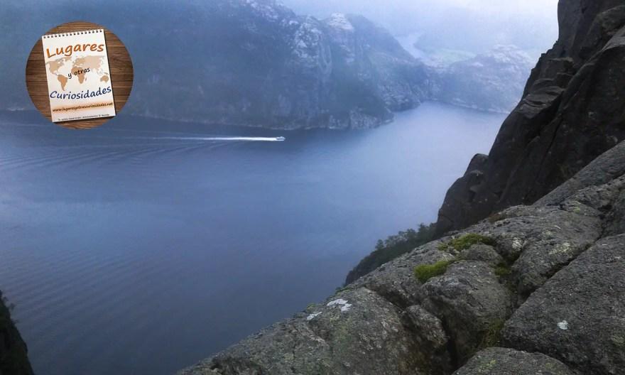 ruta-preikestolen-noruega-charo-merino-008