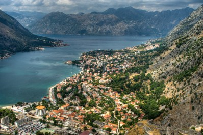 Vista de la bahía de Kotor desde la fortaleza de San Jorge