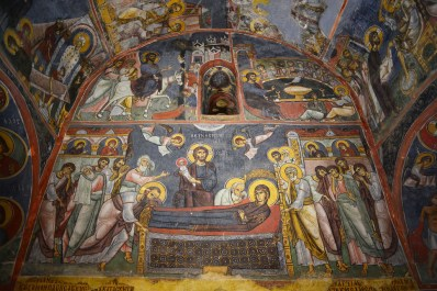 Frescos en el interior de la iglesia de Nikitari