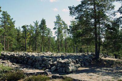Panorámica de Kirkonlaattia, en Sammallahdenmäki