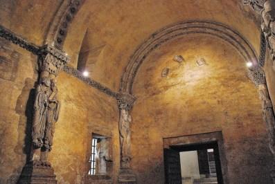 Interior de la Cámara Santa, primera obra del prerrománico asturiano