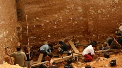 Trabajo estacional en uno de los yacimientos de Atapuerca