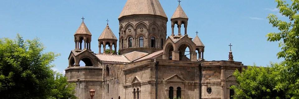 Catedral e iglesias de Echmiatsin y sitio arqueológico de Zvarnotz