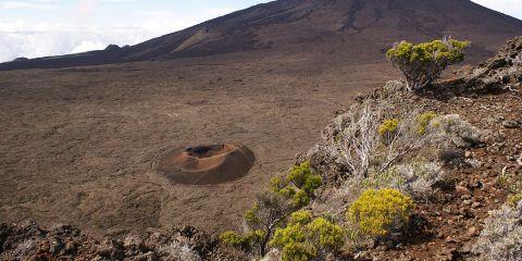 Pitones, circos y escarpaduras de la Isla de la Reunión
