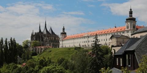 Kutná Hora: centro histórico de la ciudad, iglesia de Santa Bárbara y catedral de Nuestra Señora de Sedlec