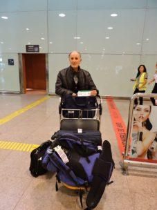 El opi a su llegada a El Prat, Aeropuerto de Barcelona. Momento de reencuentro.