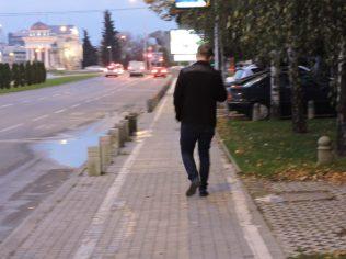 Un joven que si hablaba ingles pudo indicarme como llegar a la Iglesia Soborem Hram