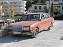 El clásico Mercedes en Vlore, Albania