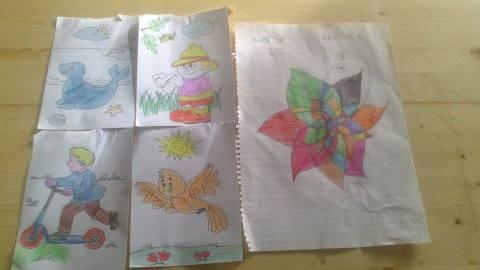 Dibujos con las niñas del campo