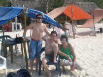 Disfrutando Playa blanca, en Baru, Caribe colombiano