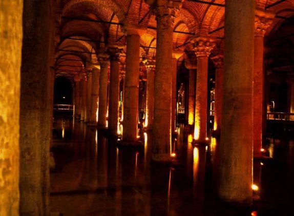 Cisterna Basílica Estambul Turquía
