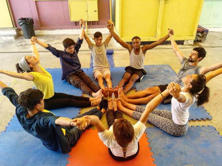 Trabajar como profesor de yoga por el mundo