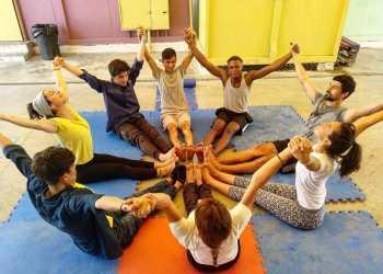 Trabajar como profesora de yoga por el mundo