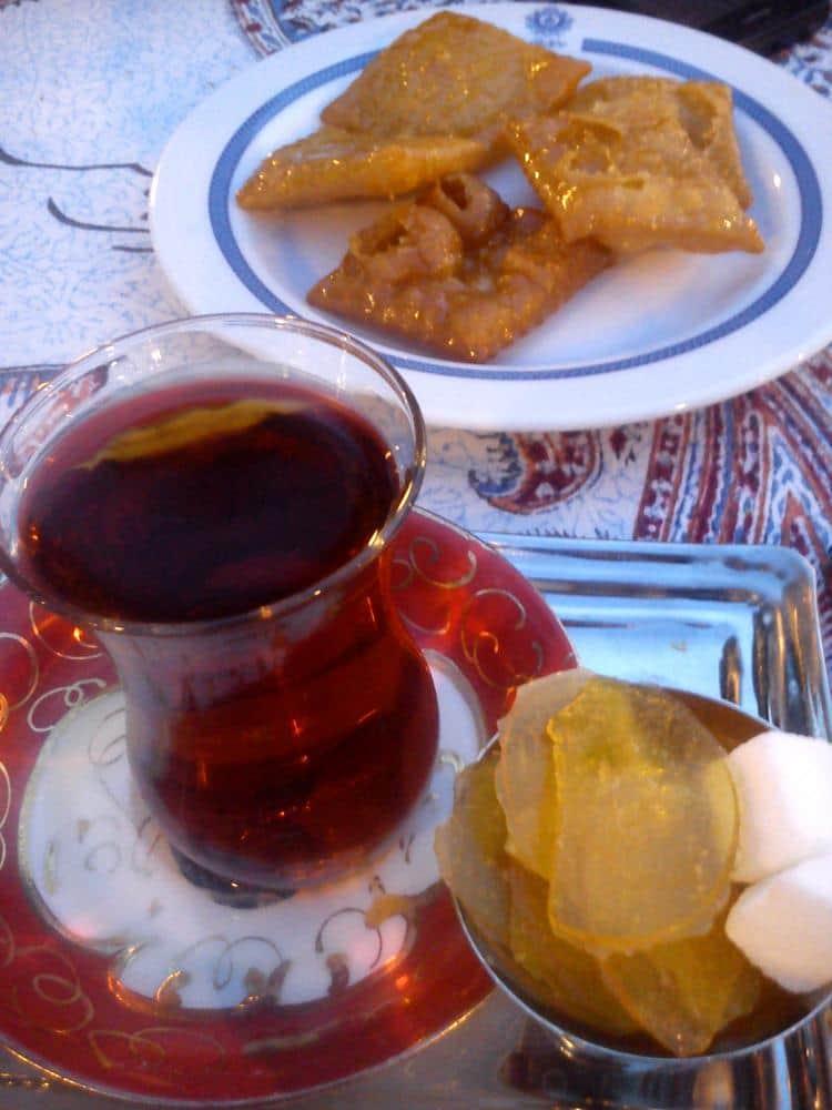 El té y los dulces iraníes