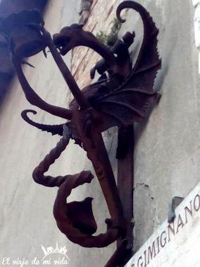 Detalles de las calles de San Gimignano en la Toscana