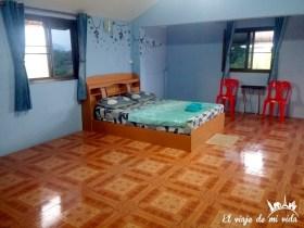 Mi habitación con baño compartido en Baan Nisarine en Krabi