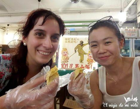 Probando el apestoso Durian