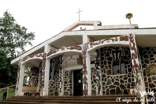 La curiosa iglesia de Hanga Roa