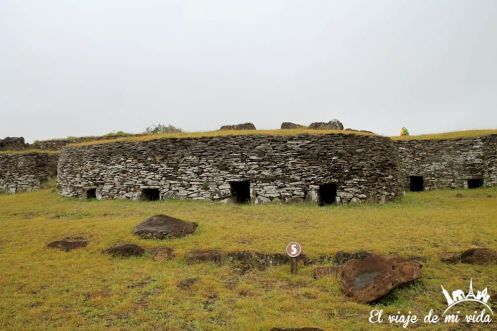 La villa ceremonial de Orongo en la Isla de Pascua, Chile
