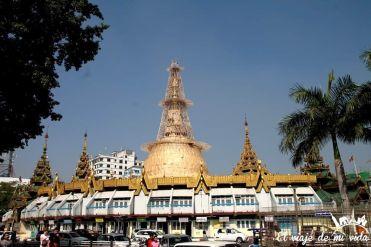 La Pagoda Sule en Rangún, Myanmar