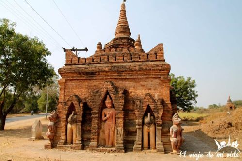 Templos en carreteras secundarias