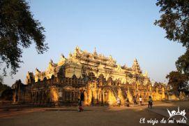 El monasterio Maha Aungmye Bonzan, Mandalay, Myanmar