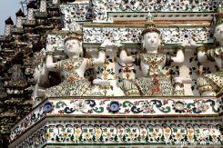 Exquisitos detalles del templo del amanecer