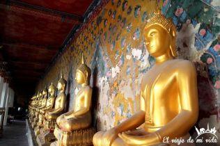Budas del templo del amanecer, Bangkok, Tailandia