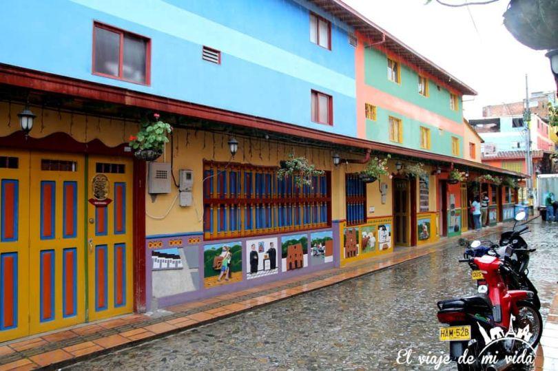 Las encantadoras calles de Guatapé, Colombia