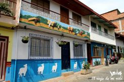 Los zócalos de Guatapé, Colombia