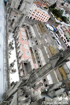 Vistas desde las Torres al Panteon de la Basílica de Quito, Ecuador