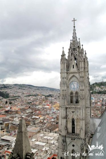 Basílica del Voto Nacional en Quito, Ecuador