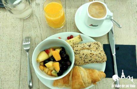 Desayuno en el Hotel Amosa en Lieja