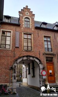 Entrada al hotel Saint Martin's Klooster (Leuven)