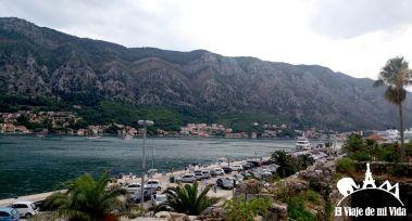 Vistas desde Kotor a la bahía