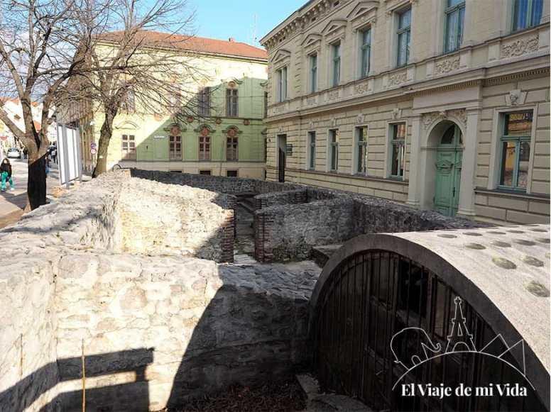 Los antiguos baños de Memi Pacha