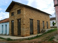 Casa centenária, construída em Pedra Cariri - Santana do Cariri