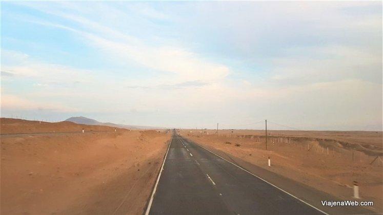 estrada para Huaraz no Peru saindo de Lima