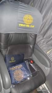 Dentro do ônibus da empresa Cruz Del Sur indo para Huaraz