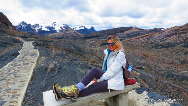 lugar para sentar no Glacier Pastoruri