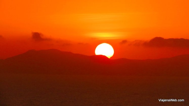 Por do sol, um dos motivos para amar Lima.