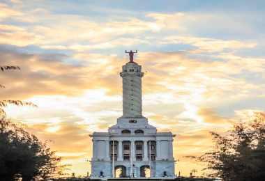 Monumento a los héroes de la restauración