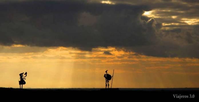 Don Quijote y Sancho Panza. Mota del Cuervo molinos de viento