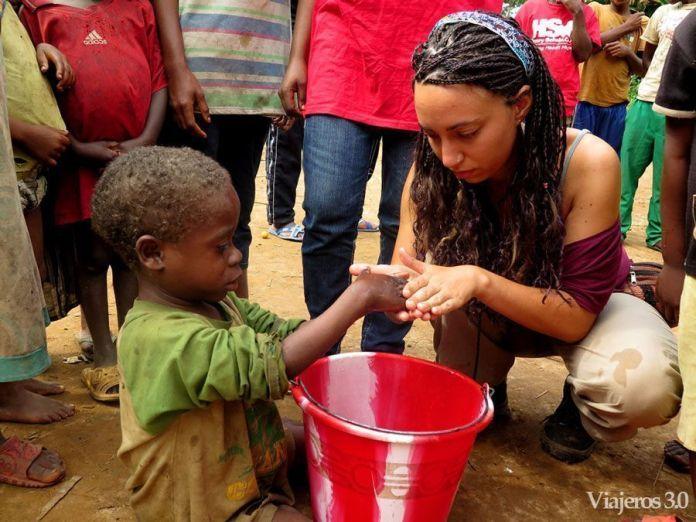 voluntariado en poblado pigmeo Camerún