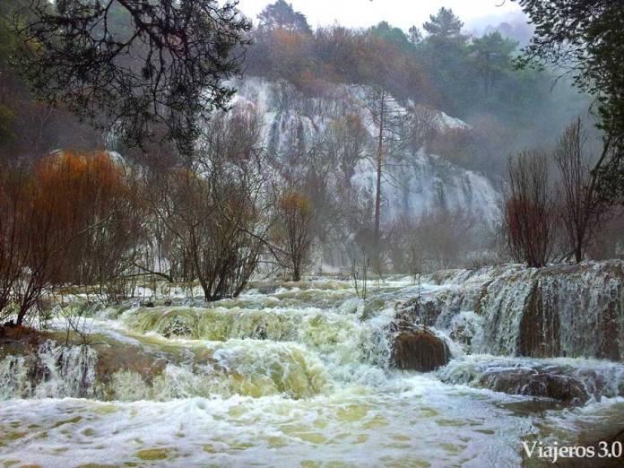 cascada nacimiento del río Cuervo Cuenca, viajar en invierno