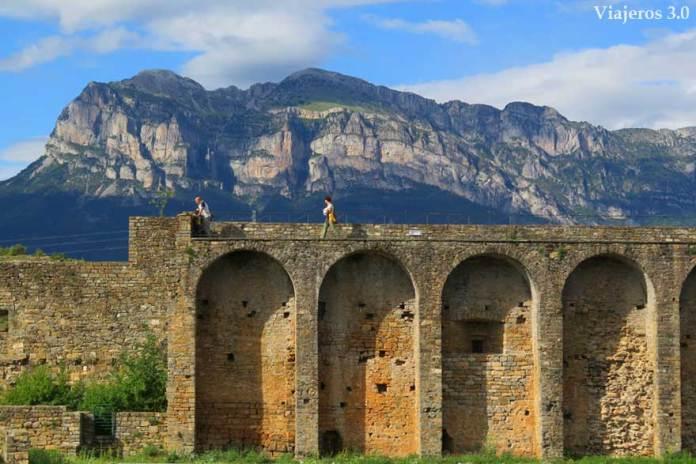 murallas de Aínsa